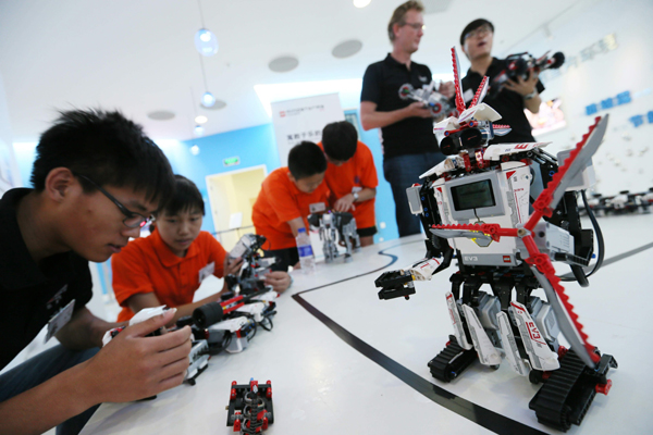 Robot classes set students up for future careers