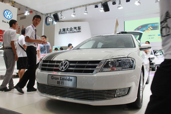 Fast forward for VW in car sales league