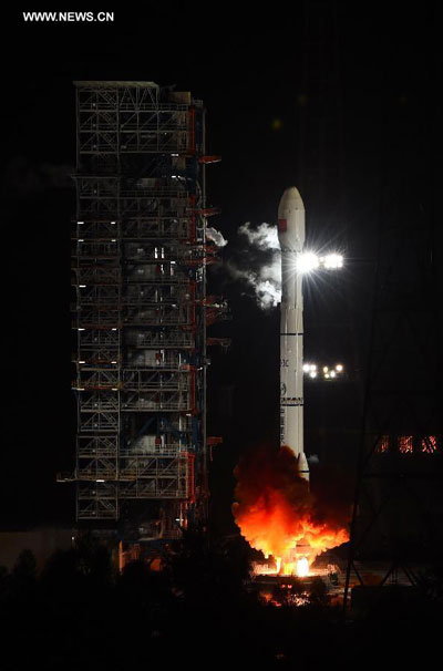 China launches orbiter for lunar mission
