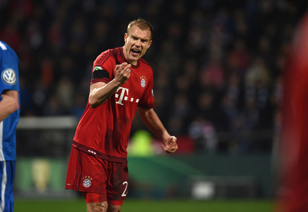 Bayern loans injury-prone defender Badstuber to Schalke