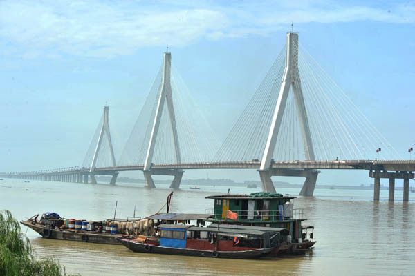 World's longest cable-stayed railway bridge closes in China
