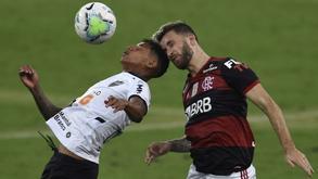 Atletico Mineiro's Marrony (left) and Flamengo's Leo Pereira